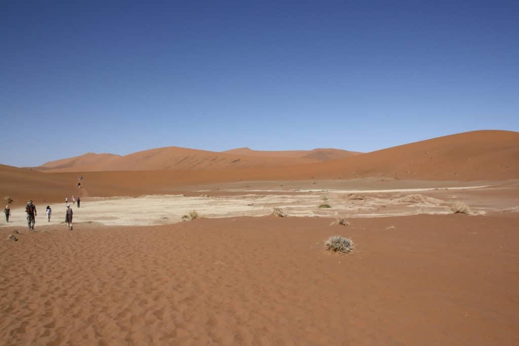 Blauer Himmel-Namibia